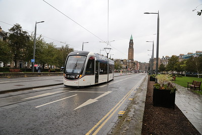 269 in the rain reverses at West End - the tram on Shandwick Place has had a slight coming together with a bus