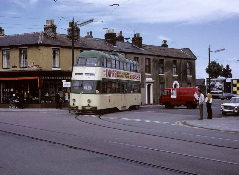 Balloon car 717, Fleetwood, Sun 12 August 1973.  Turning from Pharos Street into North Albert Street on its way back to Blackpool.  Photo by Les Tindall.