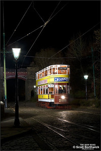 Leeds 399 passes Bowes-Lyon Bridge at the Crich Tramway Village on 17/11/2007.