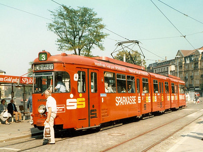 The only 8-axle car I photographed was 1975 built 202, seen in Bismarckplatz.