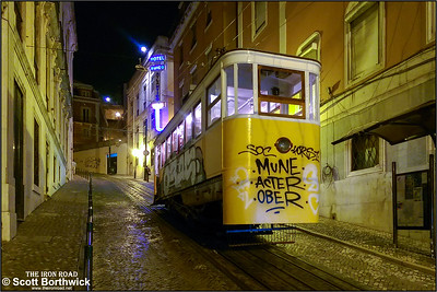 Ascensor da Glória (the Gloria funicular) runs along Calçada da Glória linking Praça dos Restauradores at the bottom of the hill with Rua São Pedro de Alcântara Belvedere, in the Bairro Alto district, at the top of the hill. One of the cars is photographed awaiting its next climb from RPraça dos Restauradores on 18/11/2016.