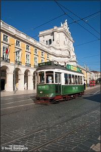741 runs through the Praça do Comercio heading back to the Santo Amaro tram depot after working a Historical Route Tram Tour on 22/11/2016.