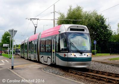Nottingham Express Transit 214, Phoenix Park, Nottingham, 9th September 2016