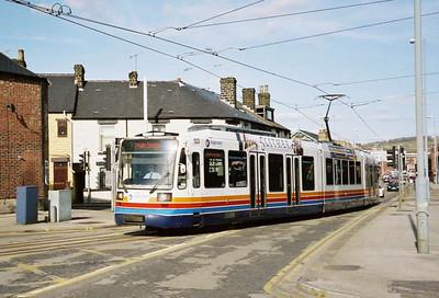 031: 123 is seen approaching Malin Bridge terminus in April 2006