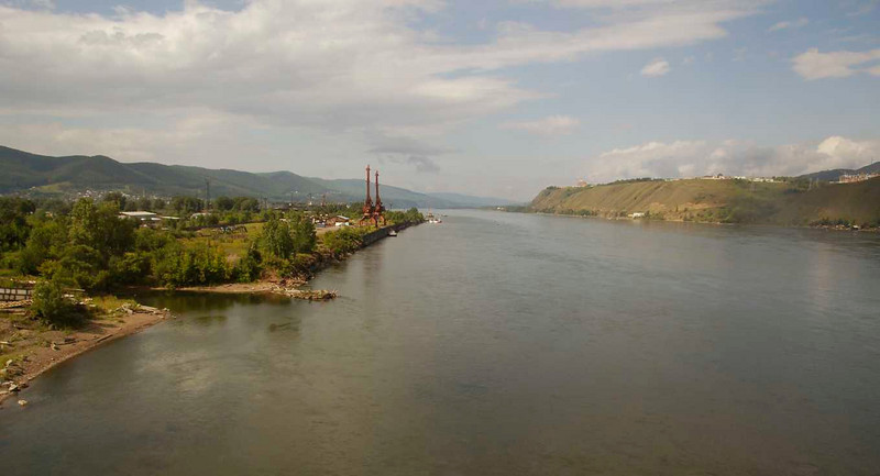 One full day of railroading now. Crossing a big river, don't remember its name.