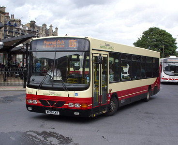 608 - W608CWX - Harrogate (bus station) - 11.8.08