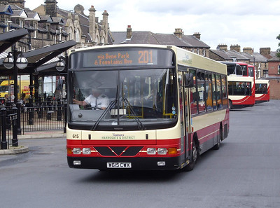 615 - W615CWX - Harrogate (bus station) - 11.8.08