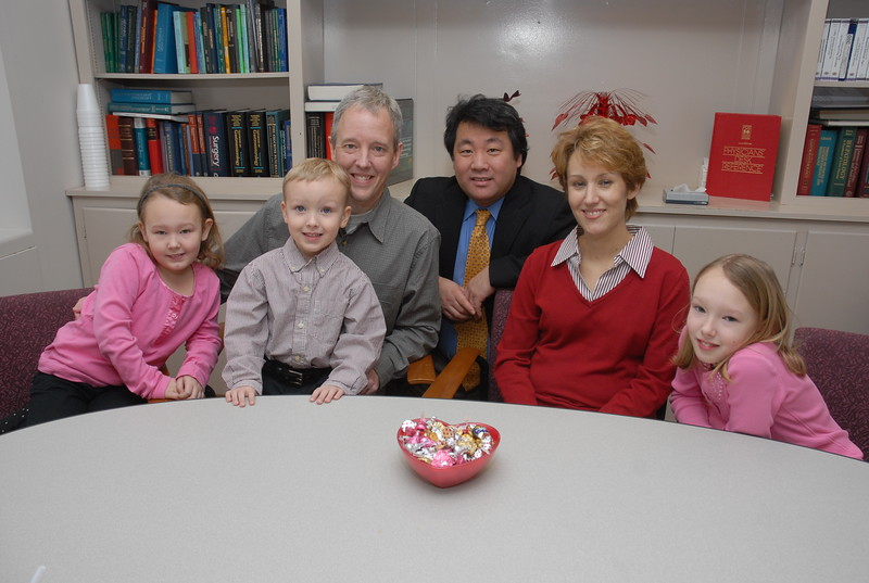 spouse to spouse liver transplant, Dr. Yoshida with patient and family members<br /> Atsushi Yoshida