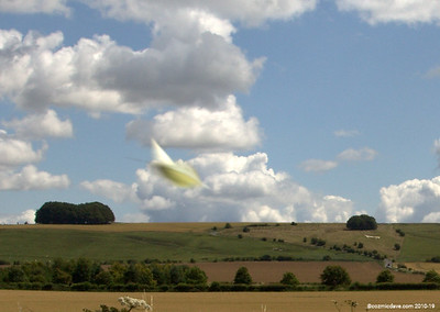 UFO over Hackpen Hill (cropped 2)