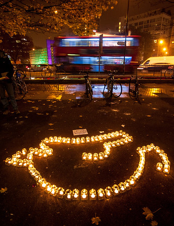 Roadpeace vigil at Elephant and Castle