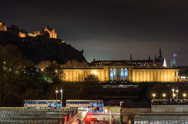 National Gallery of Scotland at night