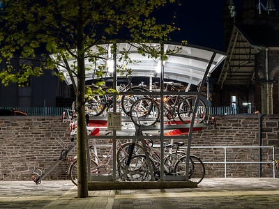 Two-tier cycle parking shelter