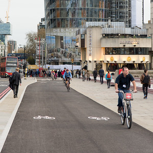 Blackfriars Bridge cycle superhighway