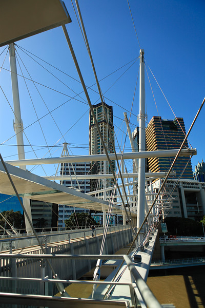 """Two Bridges in One Walk"" - walking Brisbane's Kurilpa and ""Go Between"" Bridges on a majestic winter's day, 16 July 2010; Queensland, Australia. Photos by Des Thureson:  <a href=""http://disci.smugmug.com"">http://disci.smugmug.com</a>"