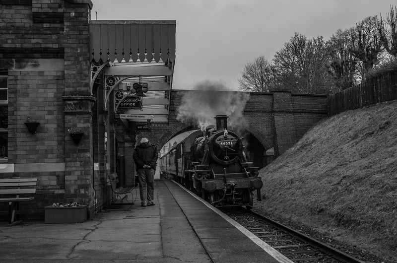 LMS CLass 2 46521 steams into Rothley