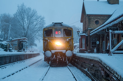 Class 33 - Rescue train! [Arley]