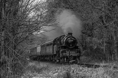 Origin: Bridgnorth Destination: Kidderminster Location: Tenbury Wall, Severn Valley Railway Notes: 43106 passes Tenbury Wall with a service to Kidderminster.