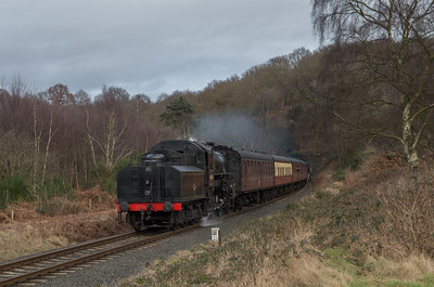 43106 storms out of Bewdley tunnel