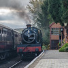 7812 'Erlestoke Manor' arrives into Hampton Loade
