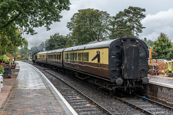 4144 shunts toplights into Arley