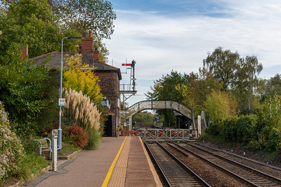 Brundall Station - Gated Crossing & Semaphore Signals