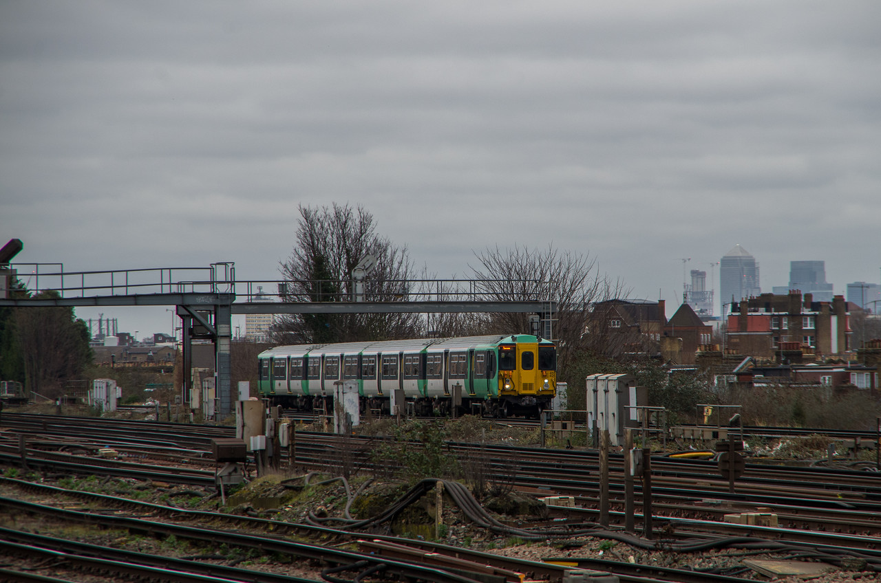 455825, Clapham Junction