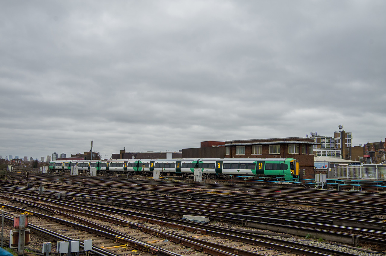 Southern Class 377, Clapham Junction