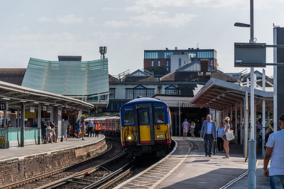 SWR Class 455 no 5707 @ Clapham Junction