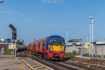 456009, Clapham Junction
