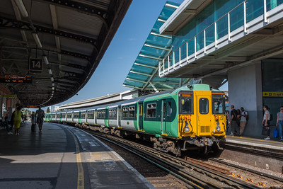 455843, Clapham Junction