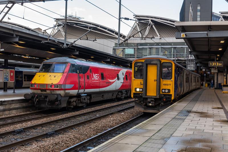 Trains of Yesteryear - LNER Mark 4 DVT 82220 & Northern 150227 at Leeds