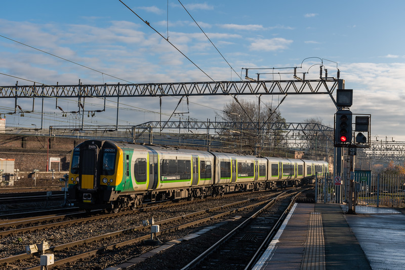 ex-LM LNR 350251 at Crewe