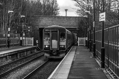 London Midland class 153/170 pairing at Smethwick Galton Bridge