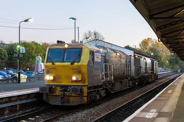 DR98909 MPV, Stourbridge Junction