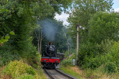 7802 'Bradley Manor' on approach to Arley