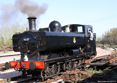 Passing through Lydney Station 001