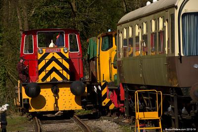 Trains at Norchard Station 002 (April 2014)