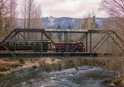Christmas Santa Train Crossing North Bend WA trestle December 2016