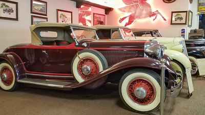 Early 30s Chrysler Imperial Eight-3