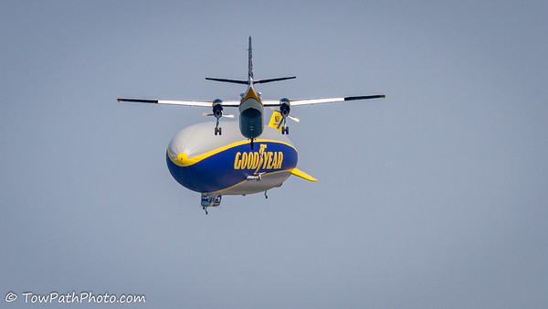 "Golden Knights C-31A vs Goodyear ""Wingfoot 2"""