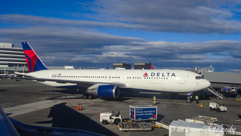 Delta Airlines 767 at Seattle
