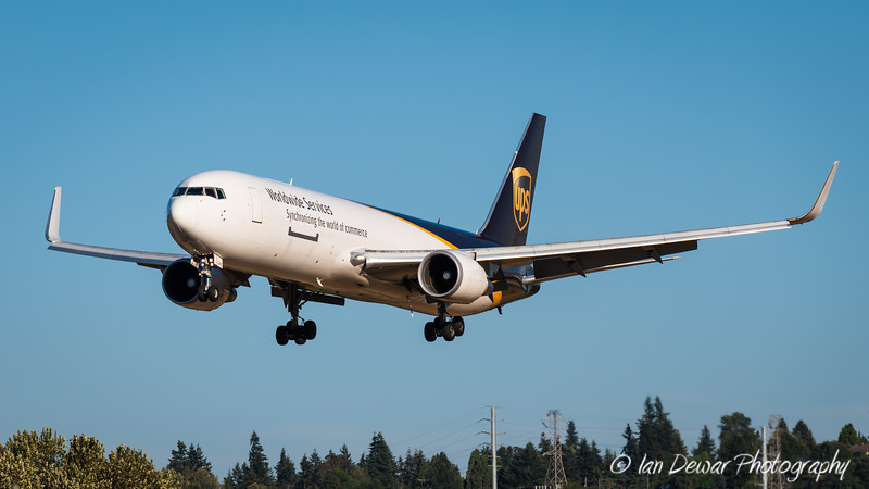 UPS cargo on final