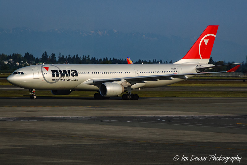 NWA A330 at Seatac