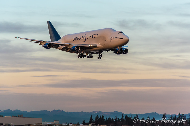 Dreamlifter on Final
