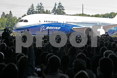 Boeing 787 rollout on July 8, 2007