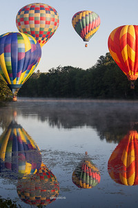 Hot Air Balloons in a Circle