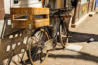 Avignon Organics. Avignon, France.