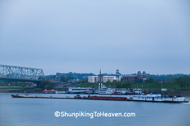 Tugboat and Barge on Ohio River, Cincinnati, Ohio