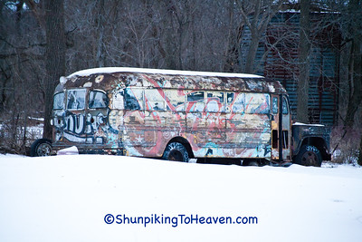 Graffiti Bus,Green County, Wisconsin
