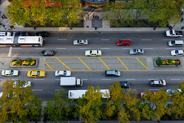 Aerial view of traffic on Chicago street.